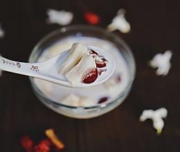 美容养颜-红枣牛奶炖鱼胶的做法