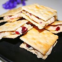 花生蔓越莓牛轧夹心饼干