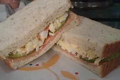 蟹棒鸡蛋三明治