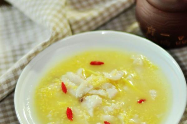 大喜大牛肉粉试用---小米粥煮鱼片的做法