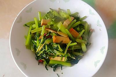芹菜炒熏干