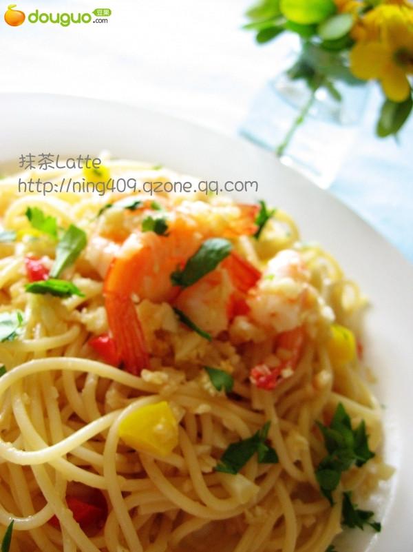 蒜香鲜虾意大利面的做法
