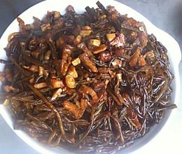 五花肉粉条焖干豆角的做法