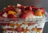 水果盒子蛋糕(草莓盒子蛋糕)的做法