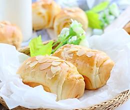 杏仁奶酥面包的做法