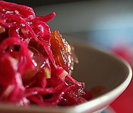 红心萝卜拌海蜇的做法