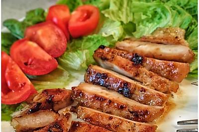 超简单超好吃的香煎鸡胸肉#急速早餐#