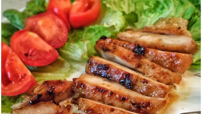 超简单超好吃的香煎鸡胸肉