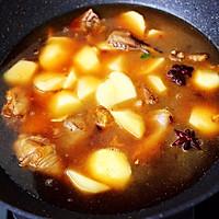 #就是红烧吃不腻!#土鸡土豆粉条一锅炖的做法图解10
