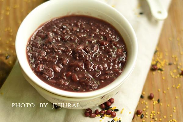 红豆小米粥—冬季暖身的做法