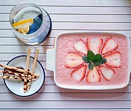 草莓冰淇淋的做法
