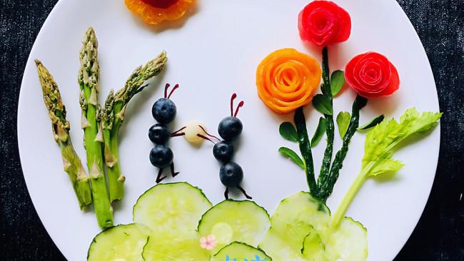童趣~水果蔬菜拼盘的做法