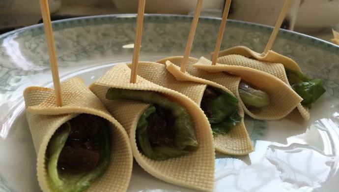 豆腐皮卷香菇酱