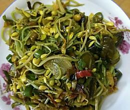 咸菜炒豆芽的做法