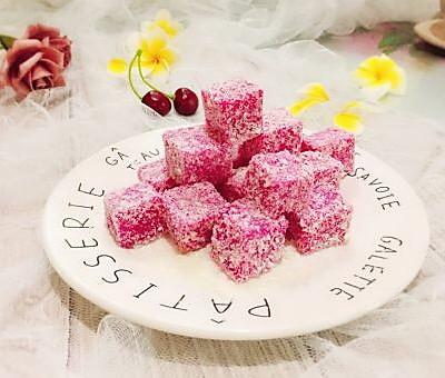 网红甜品+火龙果汁牛奶小方