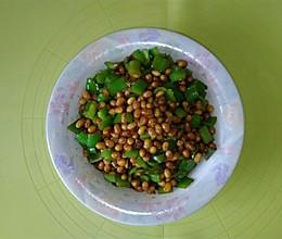 青椒炒黄豆的做法