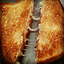 Grilled Cheese+Tomato Sandwich