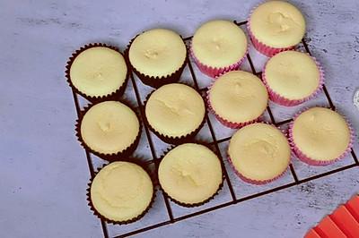 只需要简单几步就能制作出美味的纸杯小蛋糕,小小的特别可爱
