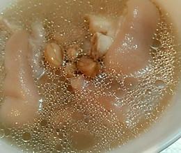 猪蹄炖花生米的做法