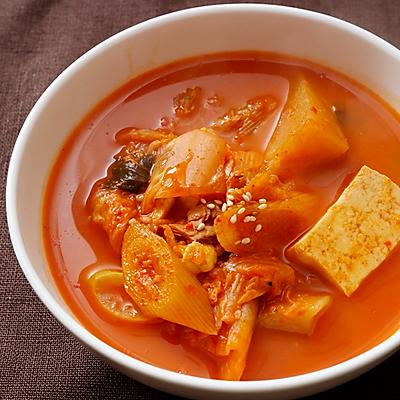 超美味正宗韩国金枪鱼豆腐泡菜锅