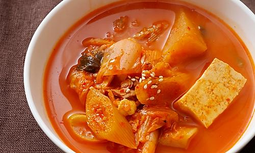 超美味正宗韩国金枪鱼豆腐泡菜锅的做法