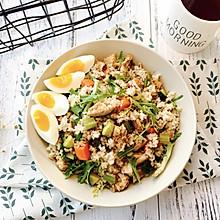 增肌减脂—糙米鸡胸肉沙拉