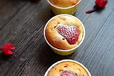 草莓马芬蛋糕