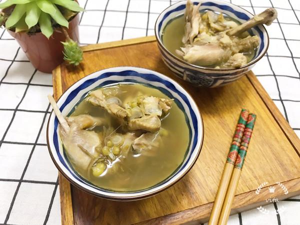 西洋参百合绿豆炖乳鸽-清热解毒的做法