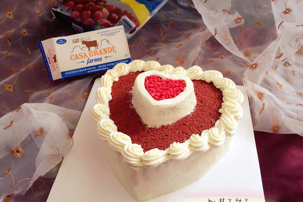"""红丝绒心形奶酪奶油霜生日蛋糕#享""""美""""味#的做法"""