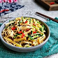 青蒜苗炒豆腐皮#做道好菜,自我宠爱!#的做法图解9