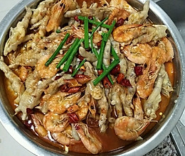 明虾鸡脚煲的做法
