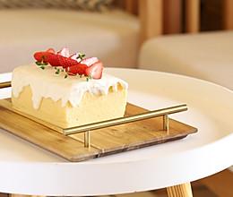 草莓酸奶油古早味蛋糕的做法