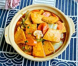 #牛气冲天#给肉都不换白菜豆腐火腿煲的做法