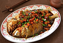 名厨菜谱-五花肉烧黄花鱼的做法