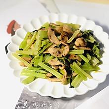 墨鱼肠炒芹菜