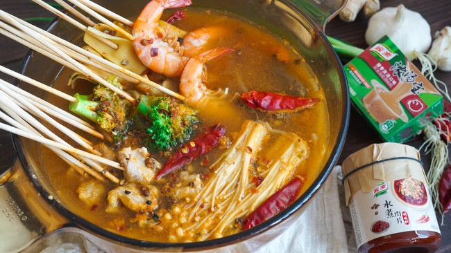 DIY简单又好吃的水煮肉片串串火锅的做法