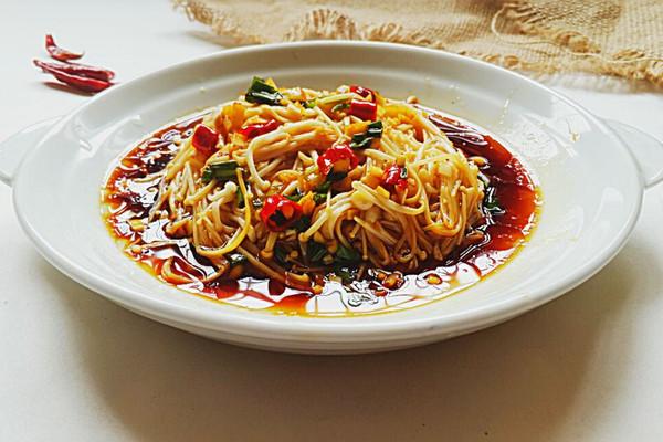凉拌金针菇~开胃小菜的做法