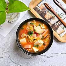 #快手又营养,我家的冬日必备菜品#暖身开胃【番茄豆腐菌菇汤】