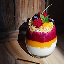 水果缤纷酸奶杯#单挑夏天#