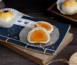 莲蓉蛋黄酥的做法