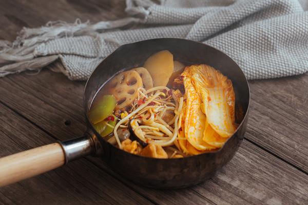 厨房小白都能学会的,下饭香辣蔬菜锅