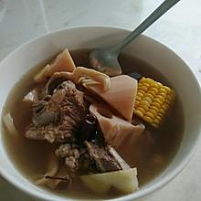 莲藕大骨汤
