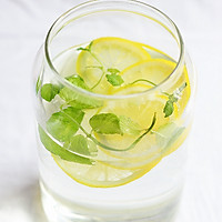 Detox Water维他命排毒水的做法图解2