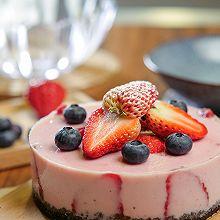 草莓酸奶慕斯蛋糕,无需烤箱!酸甜低脂又健康!