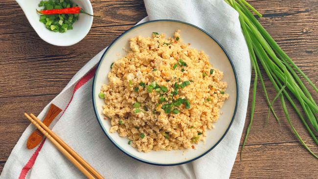 鸡刨豆腐-给咸蛋白安个家的做法