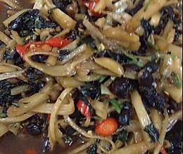酸笋痛炒紫苏点豆豉的做法