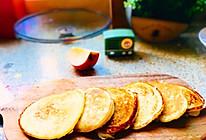 上班族也可以快速搞定的牛奶苹果鸡蛋饼的做法
