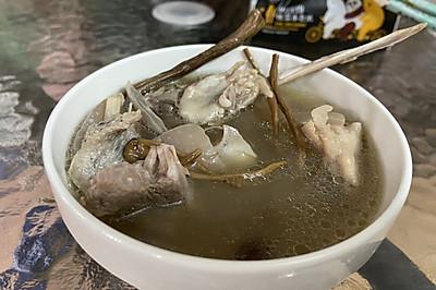 茶树菇鸭汤