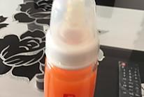 宝宝的健康果汁—胡萝卜苹果汁的做法
