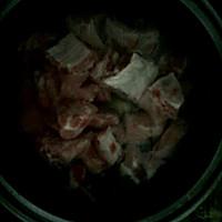 土豆排骨的做法图解1